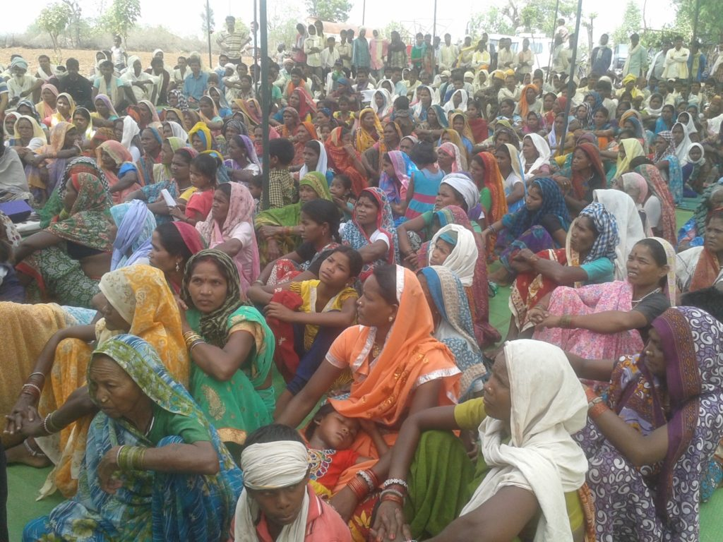 Chutka n-plant: local protest meeting demonstrates people's resolve to fight